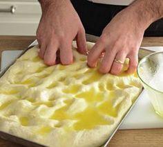 Focaccia salata - Ricetta base - 6 in 2020 Pizza Recipes, Cooking Recipes, Focaccia Pizza, Tasty, Yummy Food, Street Food, Food Videos, Italian Recipes, Food To Make