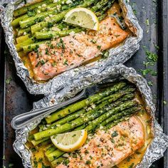 Salmon and Asparagus Foil Packs with Garlic Lemon Butter Sauce - - Whip up something quick and delicious tonight! - by recipes salmon baked Salmon and Asparagus Foil Packs with Garlic Lemon Butter Sauce Healthy Meal Prep, Healthy Eating, Healthy Foods, Healthy Camping Meals, Clean Eating Meals, Simple Healthy Meals, Healthy High Protein Meals, Clean Eating Recipes For Weight Loss, Clean Dinners