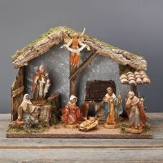 Fontanini Nativity Scene in 5 inch scale. The figures and stable are made in Italy by the House of Fontanini. Wooden Nativity Sets, Nativity Scene Sets, Nativity Stable, Christmas Nativity Set, Christmas Ornaments, Ladybug Rocks, Ladybugs, Cowboy Theme Party, Fontanini Nativity