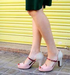 c4ba866f0e3 Zapatos de mujer modelo adelfa en piel colores rosa claro