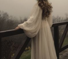 Vintage Stil, Mode Vintage, Princess Aesthetic, Aesthetic Pictures, Pretty Dresses, Marie, Wedding Dresses, Maxi Dresses, Tulle Wedding