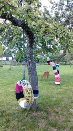 Reuse old t-shirts and tires - my magic garden from Ludgerovice!
