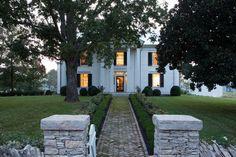 Houzz Tour: Tennesse Farmhouse - farmhouse - Exterior - Nashville - HS2 Architecture
