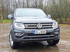 Kromikirjain ja -numero sen kertovat. Amarokit on nyt varustettu V6-moottorein. Lisäksi kaksioviset versiot on pudotettu Suomen tuontiohjelmasta kokonaan pois.