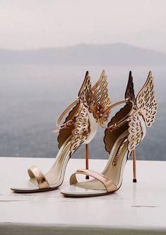 Gold shoes for wedding 21 perfect rose gold wedding shoes brides Rose Gold Wedding Shoes, Wedding Shoes Bride, Bride Shoes, Wedding Boots, Gold Bridal Shoes, Rose Gold Shoes, Designer Wedding Shoes, Wedding Makeup, Fancy Shoes