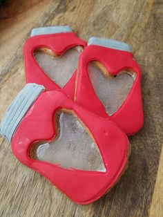 Mason Jar Cookie Favors with a glass heart shape Mason Jar Cookies, Mason Jars, Cookie Favors, Heart Shapes, Glass, Biscuit, Drinkware, Corning Glass, Mason Jar