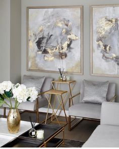 Legende The Best Luxury Living Room Designs from Our Favorite Celebrities - Dekoration Site / 2019 Home Living Room, Living Room Designs, Living Room Furniture, Furniture Stores, Apartment Living, Living Room Decor Gold, Luxury Living Rooms, Art Deco Interior Living Room, Gold Home Decor