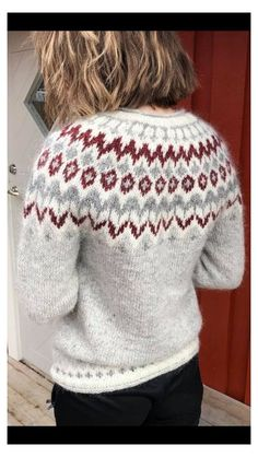 Knitting Socks, Hand Knitting, Womens Knit Sweater, Fair Isle Knitting Patterns, Icelandic Sweaters, Nordic Sweater, Crochet Designs, Knitting Designs, Hand Knitted Sweaters