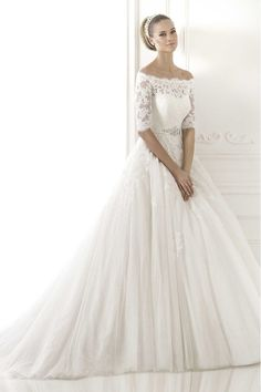 2015 Sassy Wedding Dress 1/2 Length Sleeve A Line Tulle With Applique And Ribbon Beaded