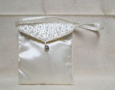 Vintage White Beaded Evening Purse Rhinestone by KansasKardsStudio, $10.50