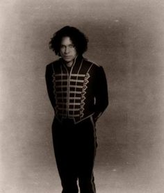 Ray Toro is NOT UGLY. He may not look like Gerard, Mikey, or Frank, but he's gorgeous in his own perfect way. So haters, shut up and keep your bad vibes out of my corn flakes. I'm not interested.