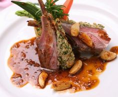 this isn't the correct image (looks like lamb rack) but the recipe is magret de canard and sounds good: Magret de canard au vieux porto et aux échalotes Dinner Date Recipes, Date Dinner, Wine Recipes, Great Recipes, Healthy Recipes, San Marzano Tomaten, Duck Breast Recipe, Cuisine Diverse, Western Food