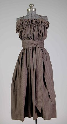 Claire McCardell sundress in cotton. Brooklyn Museum Costume Collection at The Metropolitan Museum of Art, Gift of the Brooklyn Museum, Gift of Claire McCardell, 1956 Claire Mccardell, 1940s Fashion, Timeless Fashion, Vintage Fashion, Feminine Fashion, Edwardian Fashion, Emo Fashion, Vintage Outfits, Vintage Dresses