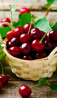 Ripe cherries in a basket by Зоряна Ивченко - Photo 159850047 - Fruit And Veg, Fruits And Vegetables, Fresh Fruit, Berry, Fruit Picture, Cherries Jubilee, Fruit Photography, Beautiful Fruits, Food Styling