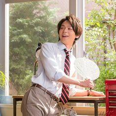 mihoさんはInstagramを利用しています:「昨日はカッコいい横顔でまとめたので今日はかわいい笑顔でまとめてみた〜😁 皇子山の時よりナチュラルな眉毛だねw #中村倫也 #今日も癒やされた #笑顔が可愛い」 Gentleman, Japanese, Actors, Guys, Instagram, Japanese Language, Actor, Boys, Gentleman Style