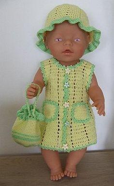 048-Gehaakt_setje_v… Crochet Doll Clothes, Knitted Dolls, Crochet Dolls, Baby Born Clothes, American Girl Clothes, Baby Boy Toys, Baby Dolls, Baby Pop, Baby Dress Design