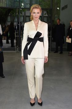 Armani Suits- How To Wear A Suit To A Party Cate Blanchett, Suits For Women, Women Wear, How To Wear Belts, Armani Suits, Evolution Of Fashion, Vogue, Party Fashion, Fashion Pics