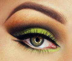 Green #eye #eyes #makeup #eyeshadow #smokey #dramatic #dark