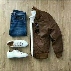 Jackets For Stylish Men. Jackets really are a vital component to each and every man's closet. Men need to have jackets for several activities as well as some climate conditions. Mode Outfits, Casual Outfits, Urbane Mode, Urban Look, Herren Style, Leather Jacket Outfits, Mens Brown Leather Jacket, Leather Jackets, Leather Men