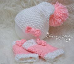 Check out this item in my Etsy shop https://www.etsy.com/listing/528668948/crochet-baby-girl-hat-legwarmers