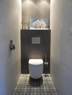 Small Toilet Room, New Toilet, Small Bathroom, Bad Inspiration, Bathroom Inspiration, Modern Bathroom Design, Modern Toilet Design, Door Design Interior, Downstairs Toilet