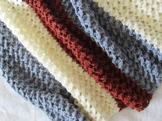 Crochet Patterns Afghans Free crochet afghan pattern with a beautiful texture - Crochet Dreamz - Use this free crochet afghan pattern to make your most coveted home decor piece. The pattern has a beautiful texture that looks All Free Crochet, Learn To Crochet, Crochet Baby, Knit Crochet, Crochet Pouch, Crochet Things, Crochet Stitches Patterns, Afghan Crochet Patterns, Crochet Afghans