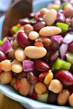 This Salad combines black, pinto, garbanzo, cannellini, and kidney beans… Salad Bar, Soup And Salad, Fruit Salad, Vegetarian Recipes, Cooking Recipes, Healthy Recipes, Slaw Recipes, Healthy Options, Healthy Snacks