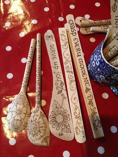 Wood burned kitchen utensils Daisysykesdesigns.wordpress.com