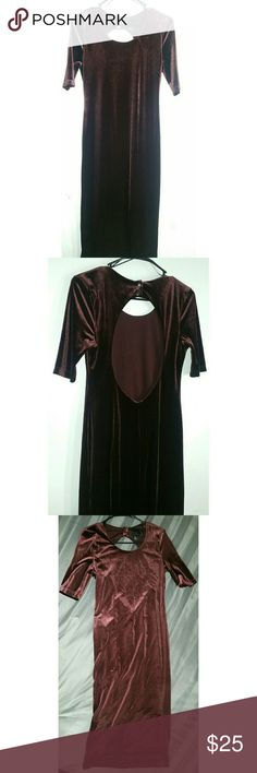 Dress Party dress perfect for the holidays. Open back. Never been used but no longer has the tag. H&M Dresses Midi