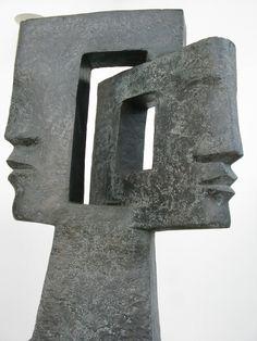 """Jacques Le Bescond  """"A Contrario""""  Sculpture en bronze, Haut.: 1m10"""