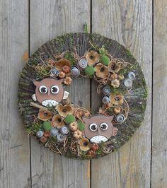 Uhuk - baglyos, őszi ajtódísz, Dekoráció, Otthon, lakberendezés, Meska Clay Pots, Christmas Wreaths, Holiday Decor, Spring, Owls, Diy, Home Decor, Crowns, Xmas