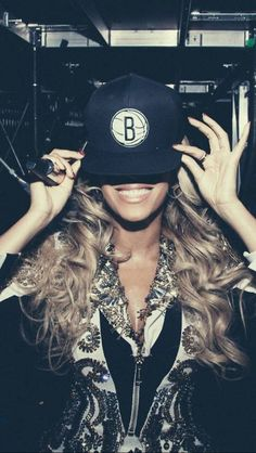 Beyoncé The Mrs Carter Show World Tour in Brooklyn, New York December 2013