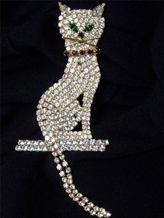 EXCEPTIONAL LARGE VINTAGE RHINESTONE KITTY CAT PIN BROOCH MOVABLE TAIL