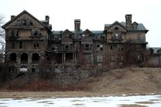 Old Mansions | Decrepit Old Mansion [Creepy Picture]