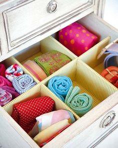 ¡No rebusques más! Cinturones, calcetines, pañuelos o ropa interior; todo estará en su sitio gracias a este ingenioso accesorio que pondrá orden en tus cajones.