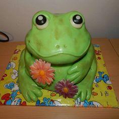 Sweet frog cake