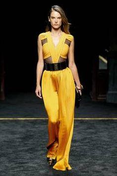 Balmain  – Paris Fashion Week 2015 Trendreport - die Kollektionen der Modedesigner im Überblick. flair berichtet live von der Paris Fashion Week. Dieser Artikel aktualisiert sich regelmäßig