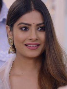 Beautiful Bride, Beautiful Women, Yeh Hai Mohabbatein, Bollywood Designer Sarees, Beauty Full Girl, Bollywood Actress, Actresses, Actors
