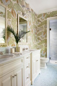 Tropical Bathroom with Carnival Wallpaper and Cream Vanity Cabinets - Cottage - Bathroom