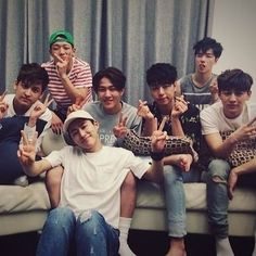 150821 Naver's V App: IKon's Summer Vacation - 7 members one family Family is… Yg Entertainment, K Pop, Ikon Member, Warner Music, Ikon Kpop, Jay Song, Ikon Wallpaper, Ikon Debut, Hip Hop