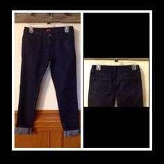 Forever 21 roll up jeans Forever 21 roll up jeans-Sz 26- soft and comfortable.very skinny legs. No rips or stains. Smoke free home. Forever 21 Jeans Ankle & Cropped
