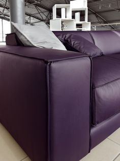 This oversized, lush, plush purple leather sofa from Ditre Italia beckons you with its alluring color, but you'll stay for the comfort. The Blob sofa Purple Leather Sofas, Purple Couch, Purple Home, Purple Furniture, Dream Furniture, Purple Reign, My Favorite Color, Decoration, Italia