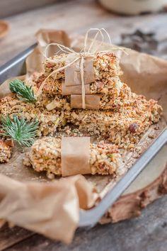 Make it healthier: Batoniki owsiane z komosą ryżową, orzechami i nasionami chia