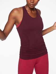 Athleta NWT Women/'s Speedlight Tee Size Small Color Auberge