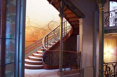 Did you know that the first art nouveau building was designed by Victor Horta in Brussels? Visit the Hôtel Tassel one of Bruxelles UNESCO World Heritage sites!