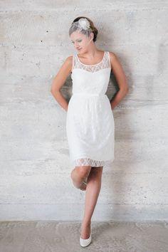 Hier kommst du zu Mia, ein kurzes Hochzeitskleid in unglaublich toll zu tragender Spitze! Anziehen, wohlfühlen, heiraten! Gleich jetzt anschauen, viel Spaß!