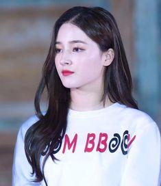 Korean Beauty Girls, Beauty Full Girl, Korean Girl, Nancy Jewel Mcdonie, Nancy Momoland, Kpop Girl Groups, Kpop Girls, Glamour World, Daisy