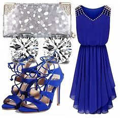 Vestito elegante da cerimonia blu elettrico con scollo a V e pietre, sandali blu con lacci, pochette argento, punti luce per gli orecchini. Adatto a una cresima, oppure per una festa dei 18 anni. Indossato di sera farà più effetto!