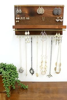 Jewelry organizer with shelf, necklace holder, stud earring and dangle earring holder . - Jewelery organizer with shelf, necklace holder, stud earring and dangle earring holder – Jewelery - Diy Jewelry Unique, Diy Jewelry To Sell, Diy Jewelry Holder, Hanging Jewelry Organizer, Jewelry Hanger, Necklace Holder, Diy Jewelry Making, Jewelry Organization, Stud Earring Organizer