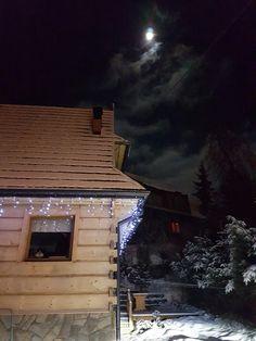 DOM Z BALI PO MYCIU #Malina #night #moon #log